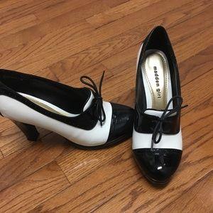Steve Madden Black & White heels